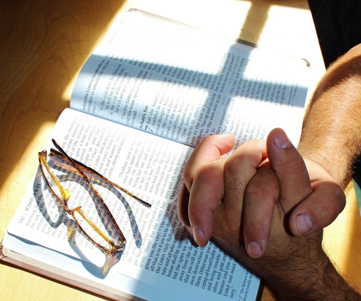 File:Prayer-With-Open-Bible.jpg